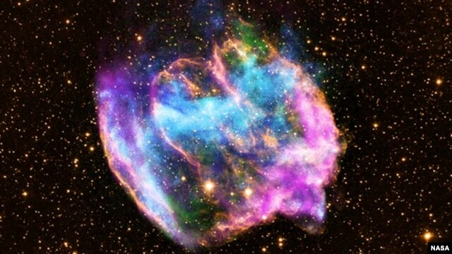 Gambar baru dari teleskop Sinar-X Chandra milik NASA menampilkan sisa ledakan bintang raksasa, Supernova, yang dinamakan W49B. W49B ini diyakini hampir berusia 14 miliar tahun (Foto:  X-ray: NASA/CXC/MIT/L.Lopez).