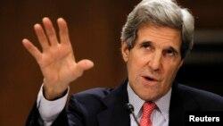 Ông Kerry nói rằng các cuộc tấn công và những chiến thuật vi phạm nhân quyền khác là 'không thể dung thứ được vì đường lối đó là thiển cận.' REUTERS/Jason Reed