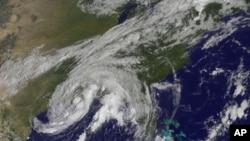 熱帶風暴李的氣象衛星圖