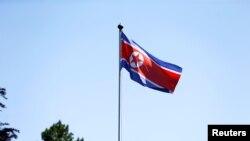 在瑞士日内瓦飘扬的朝鲜国旗(资料照片)