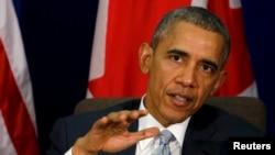 Presiden Amerika Serikat, Barack Obama memberikan keterangan kepada pers seusai pertemuan dengan Perdana Menteri Kanada Justin Trudeau di sela-sela KTT APEC di Filipina (19/11).