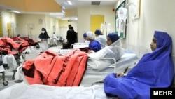 زہدان کے ایک اسپتال میں خواتین کا وارڈ۔ فائل فوٹو