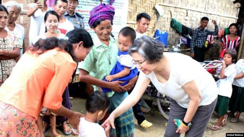 လူ႔အခြင့္အေရးဆိုင္ရာ ကုလသမဂၢ အထူးကိုယ္စားလွယ္ Ms.Yanghee Lee ကခ်င္ ဒုကၡသည္စခန္းေတြကို သြားေရာက္ေလ့လာ (ဇြန္လ ၂၀၁၆)
