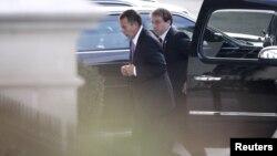 El republicano John Boehner llega a la Casa Blanca en la tarde del viernes para su encuentro con Obama.