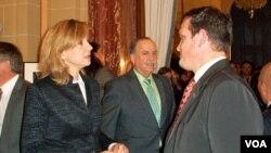 Cristina de Borbón platicó con los asistentes sobre el apoyo económico que España planea invertir en el programa.