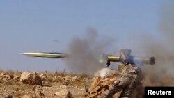 L'Observatoire syrien des droits de l'homme (OSDH) a pour sa part faitattribué la coupure de courant à une explosion provoquée par des tirs d'artillerie des rebelles