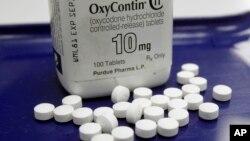 Se estima que 4,5 millones de personas son adictos a los fármacos opioides recetados en EE.UU.