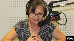 Mu Sochua, a senior lawmaker for the Cambodia National Rescue Party, says Cambodia is failing its women on VOA Khmer's Hello VOA call-in show, file photo. (Lim Sothy/VOA Khmer)