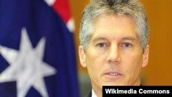 Bộ trưởng Quốc phòng Australia Stephen Smith nhấn mạnh Australia muốn nhìn thấy các tranh chấp được hòa giải theo đúng tinh thần luật quốc tế và luật biển, đặc biệt là công ước Liên hiệp quốc