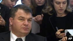Bộ trưởng Quốc phòng Anatoly Serdyukov đã bị sa thải