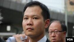 法律界黑衣靜默遊行發起人郭榮鏗呼籲北京當局收回白皮書 (美國之音湯惠芸拍攝)