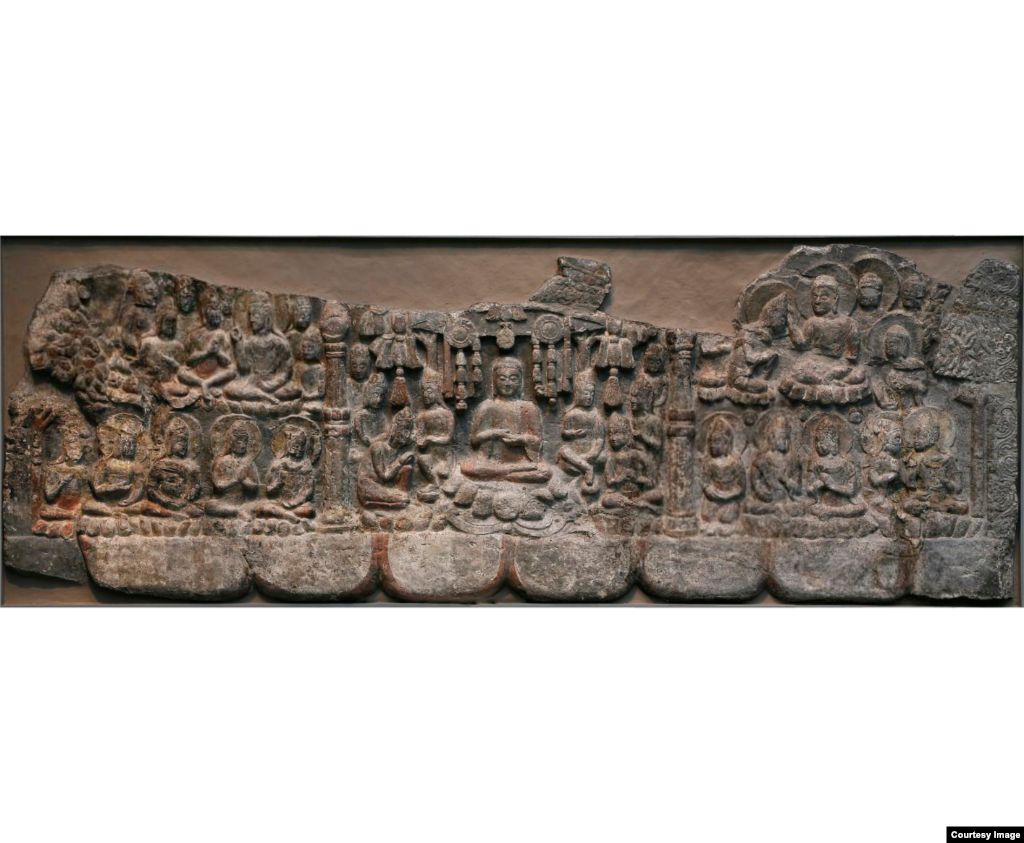 Gathering of Buddhas and Bodhisattvas, limestone with traces of pigment, Hebei province, China, Northern Qi dynasty (550 - 577).