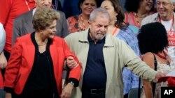 Luiz Inacio Lula da Silva et Dilma Rousseff en octobre 2013.