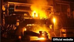 Pabrik pengolahan besi Iran, Isfahan. (Foto: dok). Washington memberlakukan sanksi-sanksi terhadap sektor-sektor logam Iran, sementara ketegangan antara kedua negara meningkat.