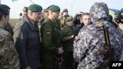 Военный наблюдатель ОБСЕ пытается попасть в Крым