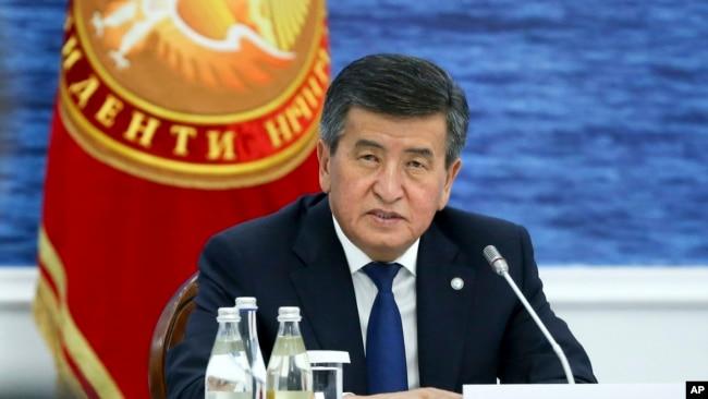 资料照-热恩别科夫在欧亚经济联盟政府间理事会上发表讲话。(2019年8月9日)