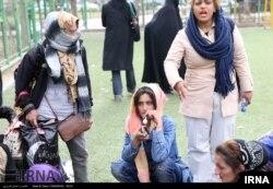 طرح جمع آوری زنان معتاد متجاهر در محله هرندی تهران- آرشیو