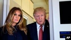 """Trump señaló además que era probable que la nueva orden cambie """"muy poco"""" con respecto a la ya presentada, pero añadió: """"Me gustaría sorprenderlos""""."""
