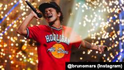 Penyanyi AS Bruno Mars ikut terdampak oleh pembatasan 17 lagu berbahasa Inggris oleh KPID Jawa Barat. (Foto: Instagram @brunomars)