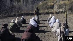 Əfqanıstan, İran və Pakistan liderləri Talibanla təmas qurur