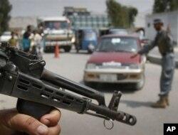مقاله تحلیلی نشریه 'تایم' در خصوص جانشین های سفیر امریکا و قواماندان عمومی ناتو در افغانستان