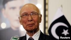 آقای عزیز گفته است که دور نخست گفتگوهای رو در روی طالبان و مقام های افغان٬ موثر بود
