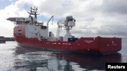 지난 5월 호주 서부 인도양 해상에서 실종 말레이시아 여객기 수색에 호주 군함이 동원됐다. (자료사진)