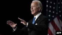 美國前副總統喬·拜登發表正式接受民主黨總統提名的演講。