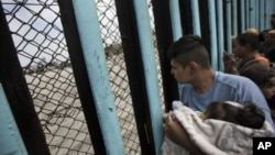 Investigador independente revela que 100 mil crianças estão detidas nos Estados Unidos