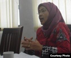 Siti Mutiah Setiawati, Pengamat Timur Tengah (Foto: VOA/Nurhadi)