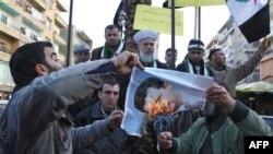 İran Esad Rejimine Desteğini Arttırıyor