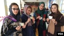 زنان افغان حین رای دهی