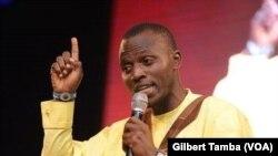 Tubor Sampson, comédien nigérian, à Abuja, le 9 juin 2020. (VOA/Gilbert Tamba)