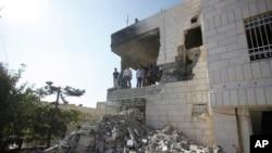 Las demoliciones se produjeron cuando los dos lados están cerca del final de un período de cinco días de alto el fuego.