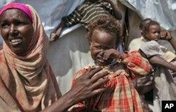 Des personnes déplacées à Mogadiscio