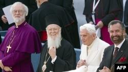 Takim për paqen: Papa Benedikti dhe 300 udhëheqës fetarë botërorë
