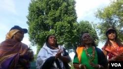 Boorana Keenyaa dhufetti dirree National Mall Washington DC jirtutti sribaa faaruun akkana aadaa bariisa.