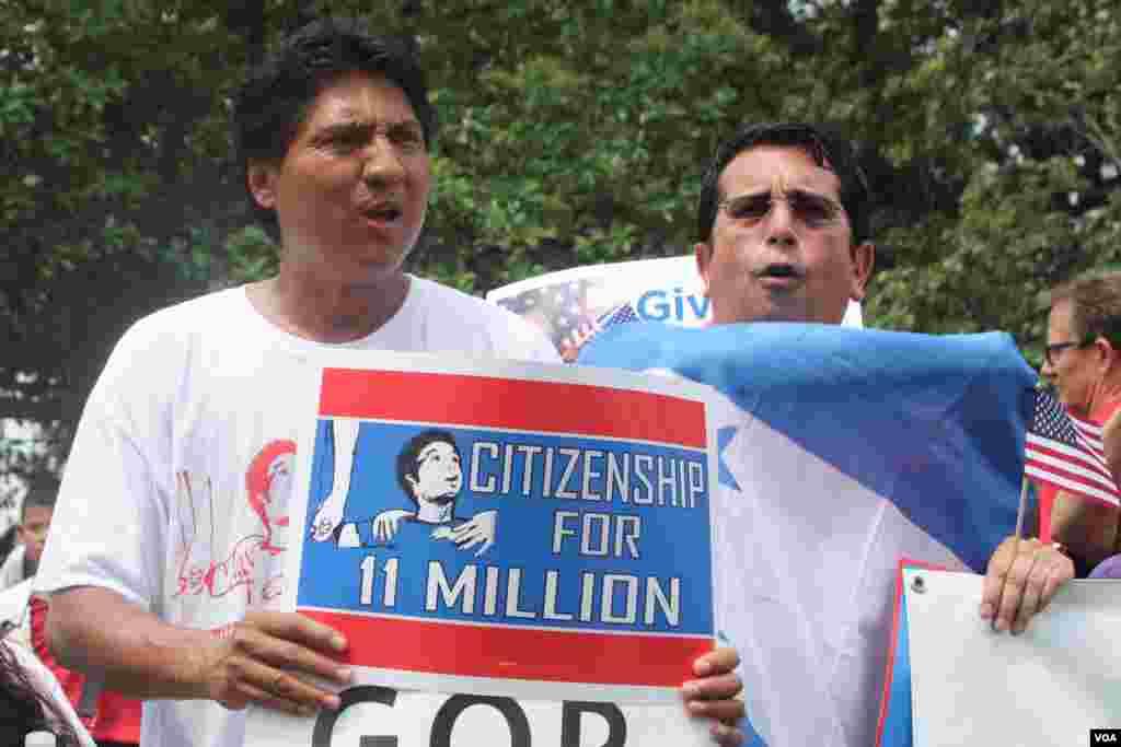 Los reclamos incluyen atender la situación de 11 millones de indocumentados.