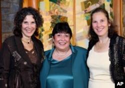 Howard Miller's daughters (from left) Wendy Miller, Sara Arnon and Julie Miller-Soros.