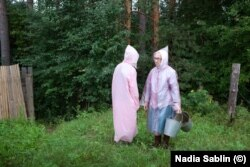 «Тётушки». Фотопроект Нади Саблин о двух незамужних сёстрах, Алевтине и Людмиле