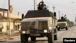 이라크 모술 탈환작전에 참여하고 있는 페슈메르가 민병대가 지난 9일 동부지역에서 도심 방향으로 진격하고 있다. (자료사진)