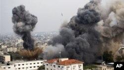 Militer Israel melakukan sedikitnya 30 serangan udara terhadap Jalur Gaza hari Rabu (21/11).