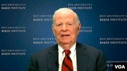 جیمز بیکر در دوران ریاست جمهوری جرج بوش پدر، وزیر خارجه آمریکا بود