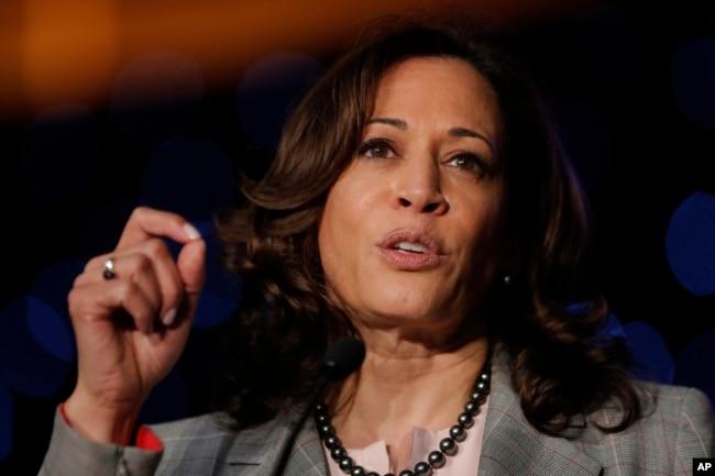 La senadora demócrata y candidata presidencial Kamala Harris criticó al presidente Donald Trump tras los recientes tiroteos en Texas y Ohio.