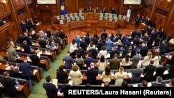 Sednica na kojoj je konstituisana Skupština Kosova, nakon februarskih izbora (Foto: REUTERS/Laura Hasani)