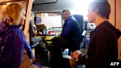 Московские волонтеры организуют раздачу помощи для бездомных.