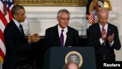 Predsednik Barak Obama, sekretar za odbranu Čak Hejgel i potpredsednik SAD Džo Bajden u Beloj kući tokom objave Hejgelove ostavke