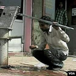 Bakteri berbahaya NDM-1 atau 'superbug' ditemukan dalam air minum di New Delhi, India.