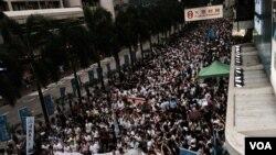 香港7-1大遊行人數 創10年新高(美國之音湯惠芸攝)