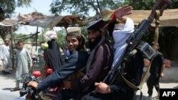 د افغانستان حکومت د لومړي ځل لپاره د روژې له ۲۷ ورځې څخه د اختر تر پنځمې ورځې پورې له طالبانو سره اوربند اعلان کړی و